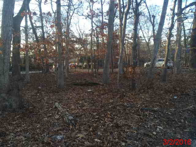 Suffolk County foreclosures – 45 Bedford Ave, Mastic, NY 11950