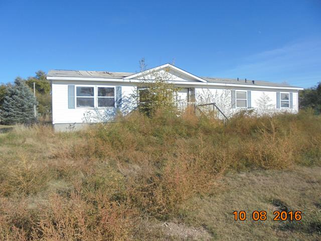 816 8th St, Beaver City, NE 68926