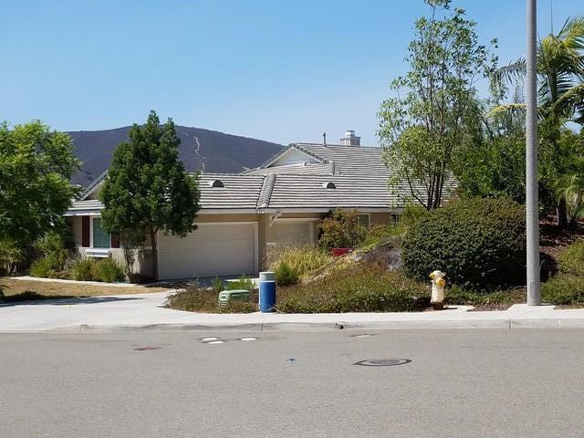 650 Arcadia Bluff Ct, San Marcos, CA 92069