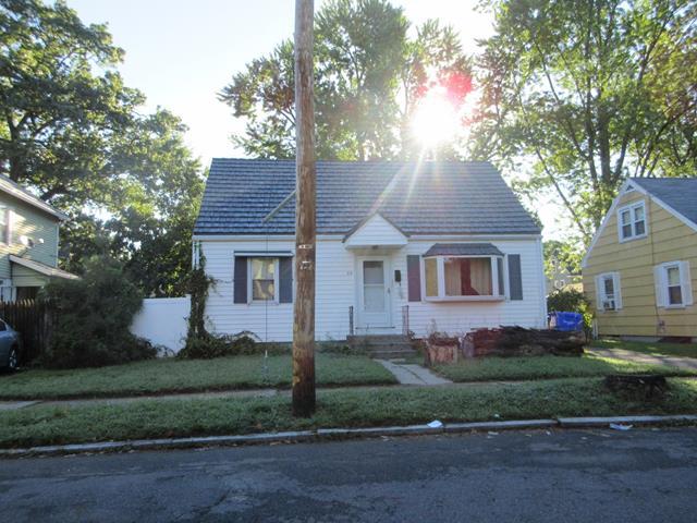 63 Haskin St, Springfield, MA 01109
