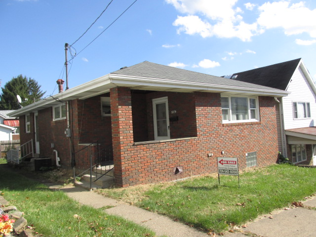 530 Castner Ave, Donora, PA 15033