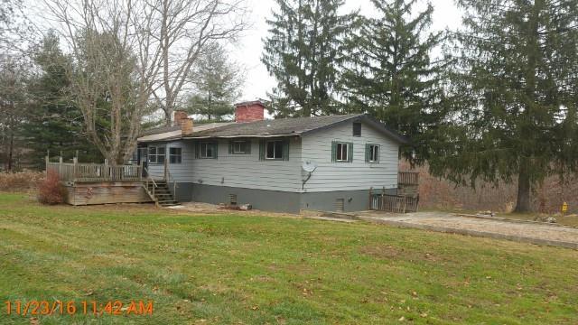 6535 Friendly Hills Rd, Zanesville, OH 43701