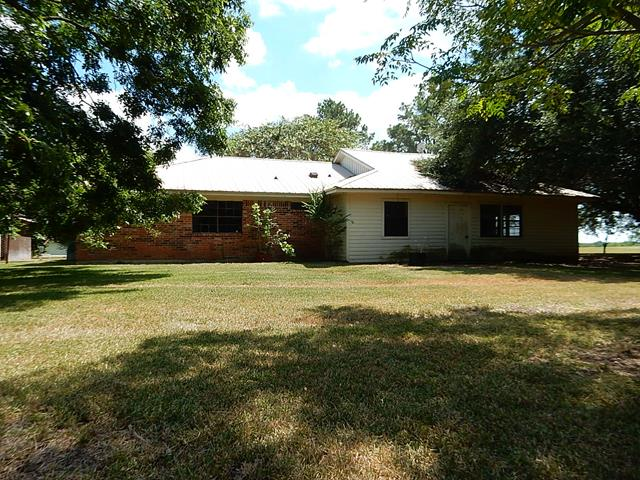Brenham foreclosures – 3430 Bluehaven Hill Cir, Brenham, TX 77833