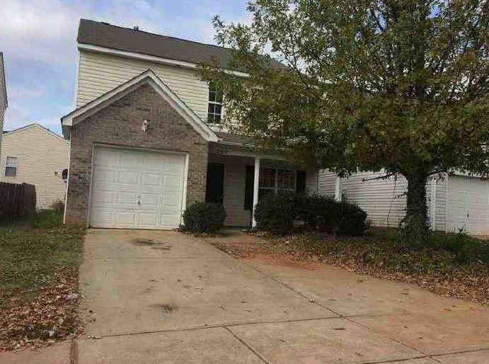 Charlotte foreclosures – 2912 Macvean Ln, Charlotte, NC 28208
