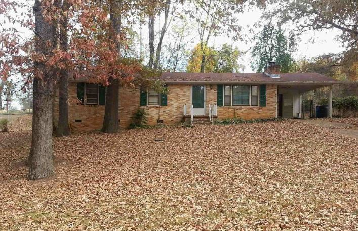 Florence foreclosures – 117 E Lakeside Dr, Florence, AL 35630