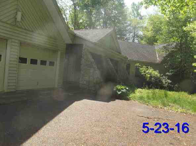 Geauga County foreclosures – 10765 Bell Rd, Newbury, OH 44065