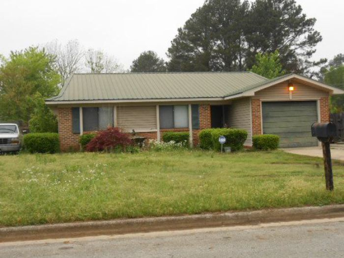 Decatur foreclosures – 3003 Farmington Rd Sw, Decatur, AL 35603