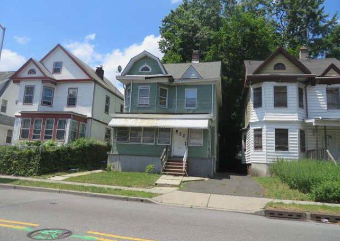 East Orange foreclosures – 137 Sanford St, East Orange, NJ 07018