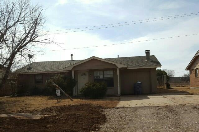 Lawton foreclosures – 6914 Sw Forest Ave, Lawton, OK 73505