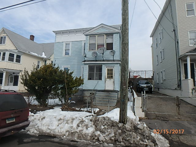 Bridgeport foreclosures – 318 Center St, Bridgeport, CT 06604