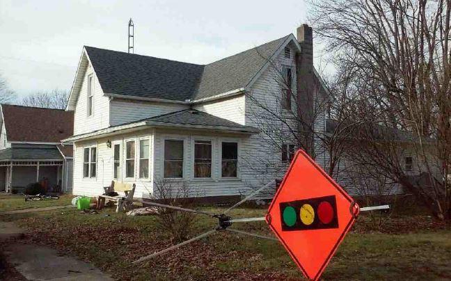 Logan County foreclosures – 304 W Miami St, De Graff, OH 43318
